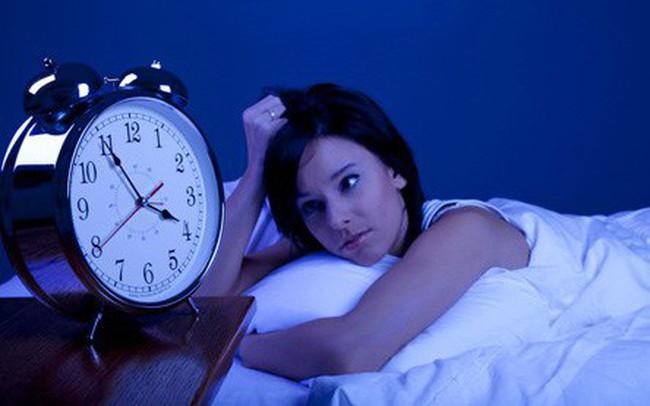 """5 việc nên và 3 không nên làm trong buổi tối: Thực hiện được thì sức khỏe nâng cao, tiền tài """"ập đến"""""""