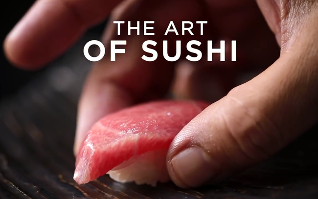 """Chiêm ngưỡng màn """"biểu diễn"""" nghệ thuật đạt cảnh giới của nghệ nhân sushi Nhật Bản"""