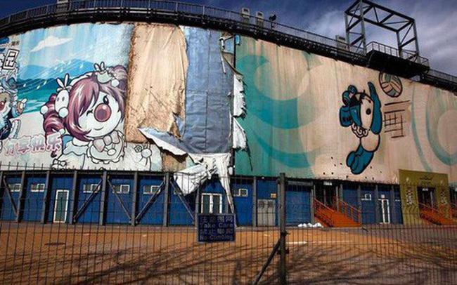 10 năm nhìn lại sân vận động Tổ chim Olympic Bắc Kinh 2008: Hoang tàn đến ám ảnh, niềm tự hào giờ chỉ còn là nỗi tiếc nuối