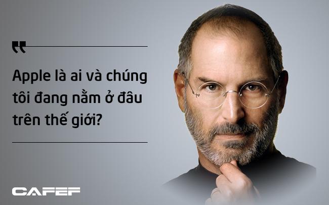 """Đặt ra một câu hỏi sâu sắc, Steve Jobs đã đưa Apple từ bờ vực phá sản đến công ty có giá trị vốn hóa """"nghìn tỷ đô"""""""