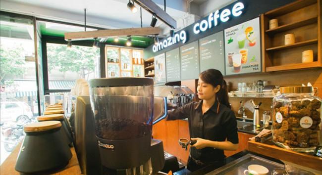 Đến Amazing thưởng thức cafe sạch và ngắm chim giữa Sài Gòn