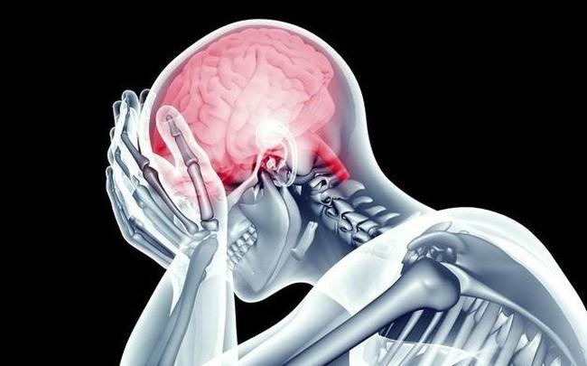 Người đàn ông bị máu nhồi máu não, liệt nửa người khi đang ở tuổi sung sức chỉ vì thói quen hàng triệu người mắc