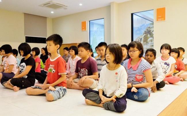 Đừng nghĩ rằng trẻ hiếu động thì không hợp với thiền, chỉ cần 20 phút rèn luyện mỗi ngày, con khỏe mạnh và nâng cao kỹ năng học tập, xã hội