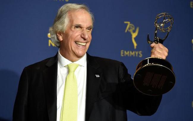 Đoạt giải Primetime Emmy danh giá đầu tiên sau 42 năm cống hiến cho sự nghiệp diễn xuất, Henry Winkler mang đến bài học nhân sinh sâu sắc về niềm tin vào bản thân