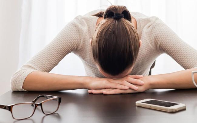 Những thói quen hàng ngày khiến bạn mệt mỏi, ảnh hưởng rất nhiều tới công việc