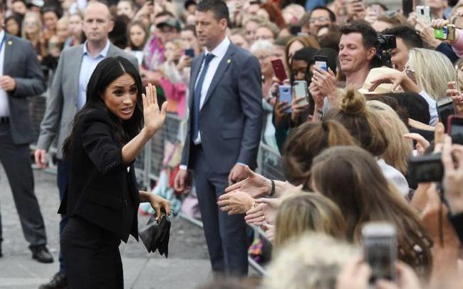 Những bức ảnh tiết lộ một cuộc sống của Hoàng gia Anh thực sự diễn ra như thế nào đằng sau vẻ ngoài hào nhoáng