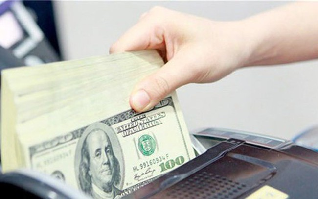 USD tự do nhích lên 23.470 đồng