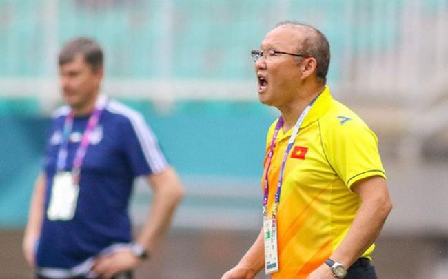 Nhìn vào trọng tài Hàn Quốc, càng thêm vững niềm tin vào HLV Park Hang-seo