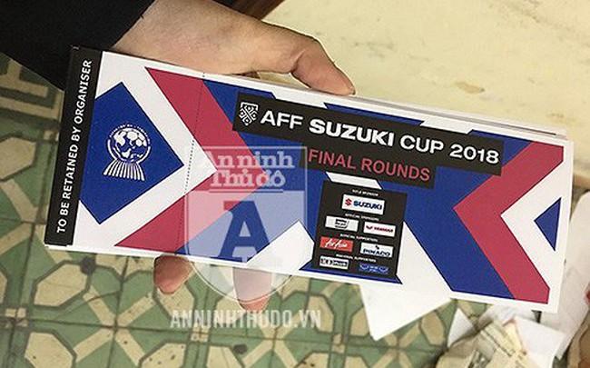 Lời kể cay đắng của nạn nhân bị lừa hàng chục triệu đồng mua vé giả chung kết AFF Cup