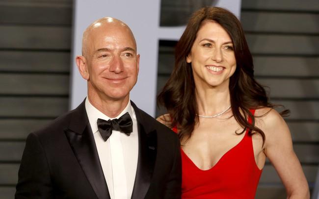 Nhìn lại cuộc hôn nhân 25 năm tưởng như viên mãn của Jeff Bezos: Tỷ phú giàu nhất thế giới từng ngày ngày rửa bát cho vợ!