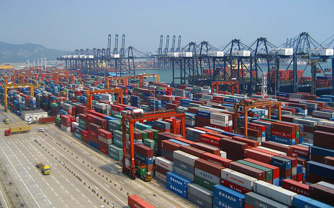 Mặc Trade War, Trung Quốc tuyên bố thặng dư thương mại với Mỹ cao kỷ lục năm 2018 khiến sắc đỏ bao trùm chứng khoán châu Á