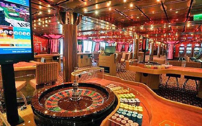 бонус наличными казино