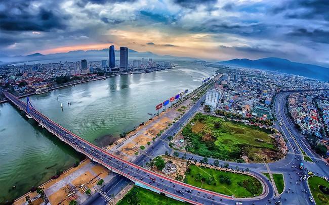 10 tháng Đà Nẵng đón gần 3 triệu lượt khách quốc tế  10 tháng Đà Nẵng đón gần 3 triệu lượt khách quốc tế da nang nhung cuoc doi da sang trang moi 211050 15717400911912015728366 crop 15717400966571620297569