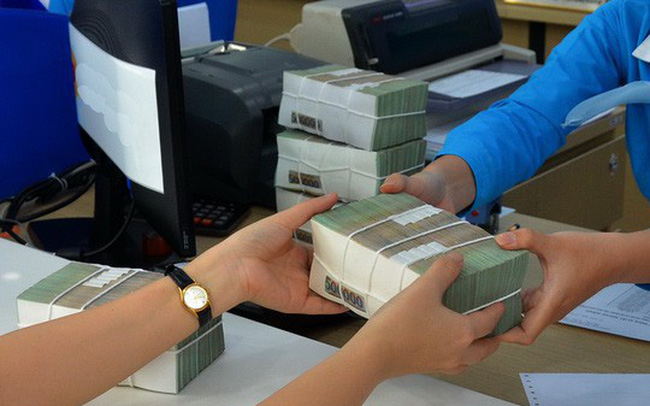 """Các ngân hàng """"có yếu tố ngoại"""" đang dửng dưng với cuộc đua lãi suất tiết kiệm?"""