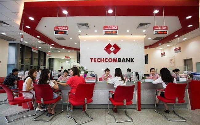 Nguồn thu từ Vingroup chiếm bao nhiêu trong doanh thu của Techcombank?