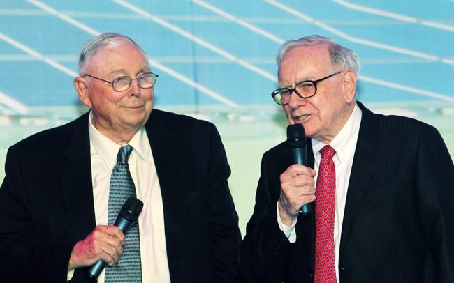 """Sở hữu 1,8 tỷ USD ở tuổi 95, """"cánh tay phải"""" của Warren Buffett đưa ra lời khuyên mà ai nghe xong cũng phải gật gù đồng ý!"""