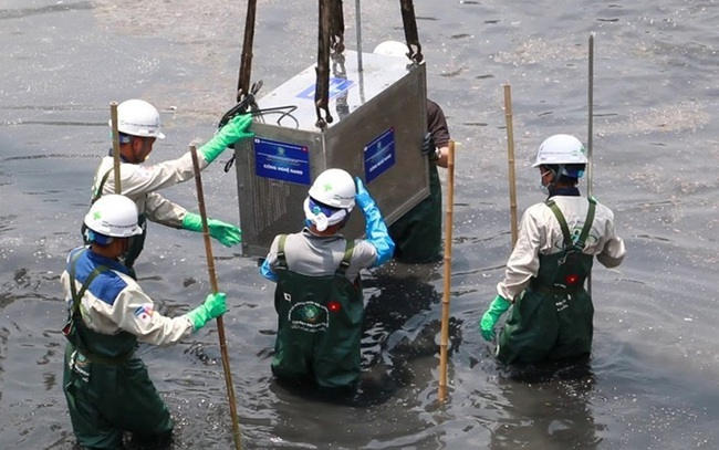 Chính thức tháo dỡ hệ thống thí điểm làm sạch sông Tô Lịch
