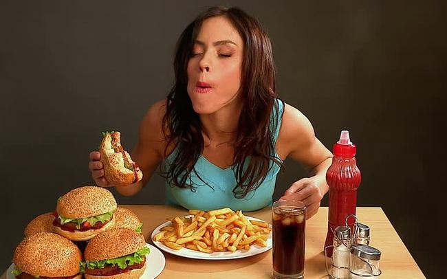 Luôn cảm thấy thèm ăn cả thế giới: Đừng chủ quan bởi cơ thể bạn đang cố báo động các vấn đề sức khỏe nghiêm trọng