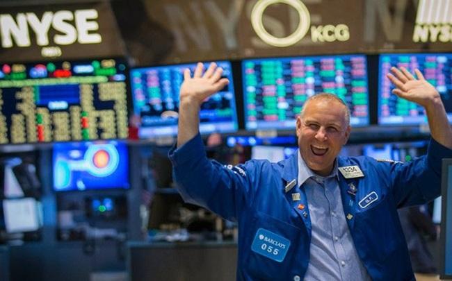 Mỹ phát tín hiệu tích cực về thoả thuận thương mại, Dow Jones bật tăng 200 điểm, lần đầu tiên chạm mốc 28.000 điểm