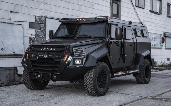 """Choáng ngợp trước độ """"xịn xò"""" của xe SUV bọc thép dành cho nhà giàu: """"Pháo đài di động"""" với khả năng chống đạn tương đương xe của đội đặc nhiệm SWAT!"""