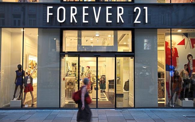 """""""Cái chết"""" của Forever 21, sự suy tàn của thời trang nhanh và cơ hội cho Việt Nam"""