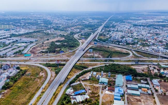 """Toàn cảnh hạ tầng giao thông khu Đông với nhiều tuyến đường sắp được mở rộng: Nơi đang chuẩn bị trở thành """"thành phố trong TP.HCM"""""""