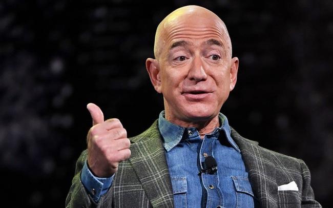 Vừa từ thiện gần 100 triệu USD, Jeff Bezos ngay lập tức bị đá đểu: Nó chẳng thấm vào đâu so với hơn 100 tỷ USD ông sở hữu, hãy nộp tiền thuế đi!