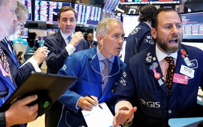Cổ phiếu bán lẻ bứt phá trước thềm Black Friday, Phố Wall chạm đỉnh lịch sử mới
