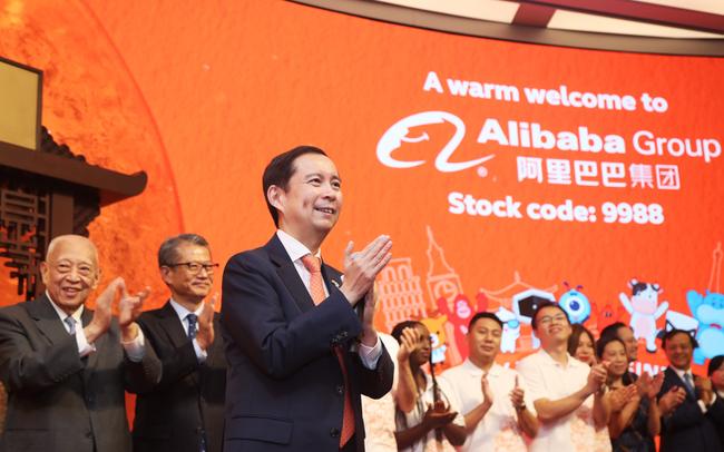 """Nhà đầu tư đại lục nôn nóng trước đà thăng hoa của Alibaba ở Hồng Kông, nhưng tại sao vẫn chưa thể rót tiền dù công ty này đã """"hồi hương""""?"""
