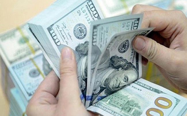 USD tự do tăng giá, ngân hàng vẫn lặng thinh
