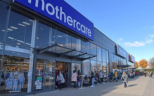 Mothercare đóng cửa toàn bộ các cửa hàng ở Anh, hàng nghìn người xếp hàng dài để săn đồ giảm giá