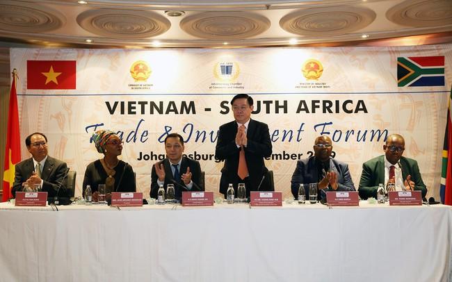 Phó Thủ tướng Vương Đình Huệ đề nghị cho phép thành lập ngân hàng thương mại của Việt Nam tại Nam Phi