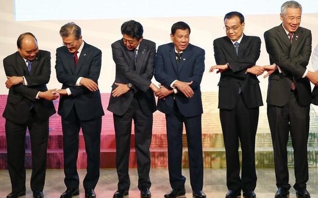 Nikkei: Tại sao Việt Nam là ngoại lệ trong cuộc đua của Hàn Quốc và Nhật Bản ở thị trường ASEAN?
