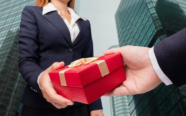Không dùng ngân sách chúc Tết, tặng quà lãnh đạo