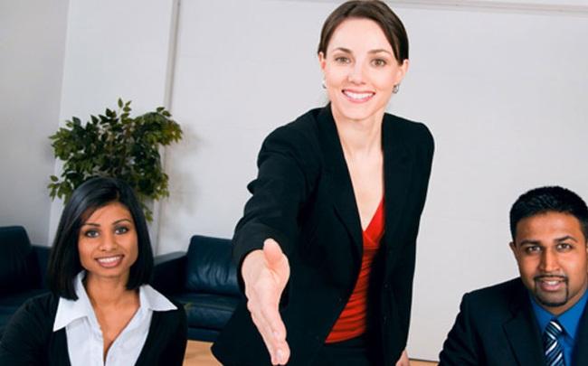 Làm sao để nổi bật trong mắt nhà tuyển dụng? Không cần là người xuất sắc nhất, chỉ cần 5 biểu hiện này