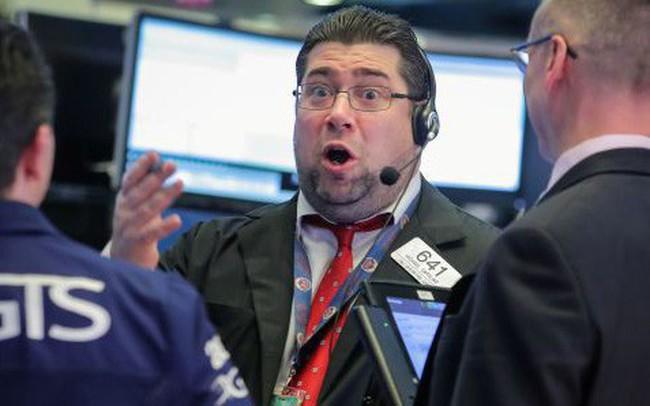 Dow Jones tăng gần 450 điểm, đánh dấu tuần tăng điểm thứ 8 liên tiếp của phố Wall