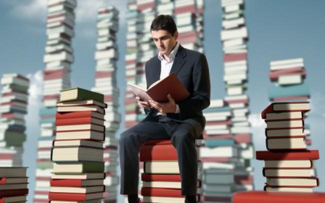 Hỏi hàng trăm triệu phú về cách học làm giàu từ sách, câu trả lời bất ngờ tôi nhận được là 7 cuốn sách không bao giờ cũ đối với người nhiều khát vọng