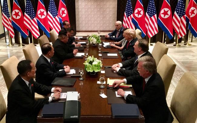 Cuộc đấu trí tại hội nghị Mỹ - Triều: Hai ông Trump - Kim sẵn sàng nhượng bộ gì cho hòa bình?