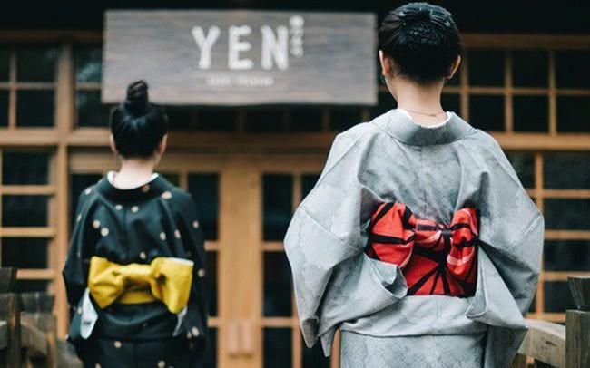 """""""Cơn bão"""" F&B ở Việt Nam và chiến lược đứng trên vai người khổng lồ của YEN Sushi"""