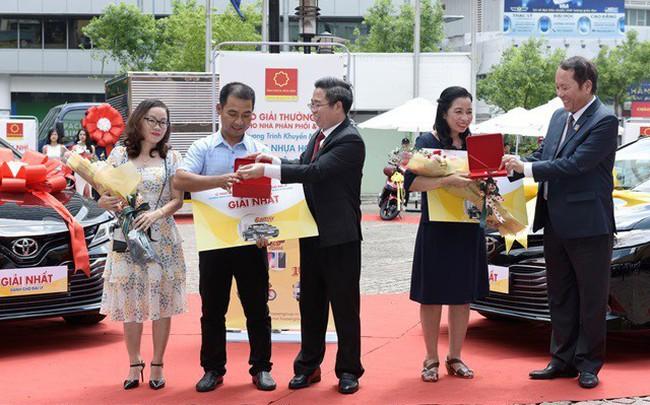 Tập đoàn Hoa Sen trao nhiều giải thưởng giá trị cho các nhà phân phối và đại lý