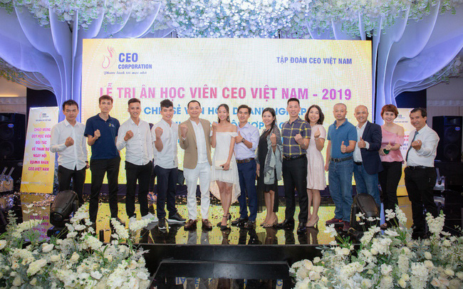 Tập đoàn CEO Việt Nam tổ chức Fashion show nhân ngày Doanh nhân Việt Nam