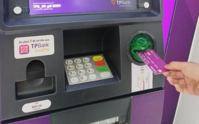 Sớm chuyển đổi sang thẻ chip để giảm mối lo mất tiền