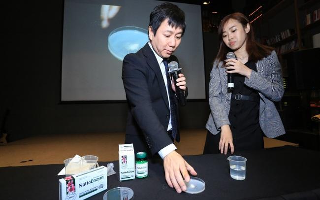 Chuyên gia Nhật làm thí nghiệm kiểm chứng công dụng phòng đột quỵ tuổi 40 của nattokinase