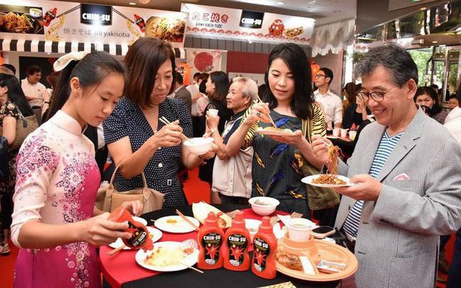 Tương ớt CHIN-SU của người Việt lên báo lớn Nhật Bản