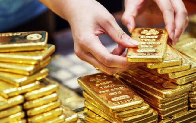 Cho vay mua vàng miếng: Biết cấm nhưng vẫn làm?