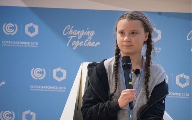"""Cô bé Thuỵ Điển 16 tuổi kêu gọi bảo vệ môi trường, chỉ trích các nguyên thủ quốc gia với từ ngữ đanh thép: """"Các vị không đủ trưởng thành để nói về việc xây dựng kinh tế xanh, bỏ mặc các vấn đề cho thế hệ sau gánh vác"""""""