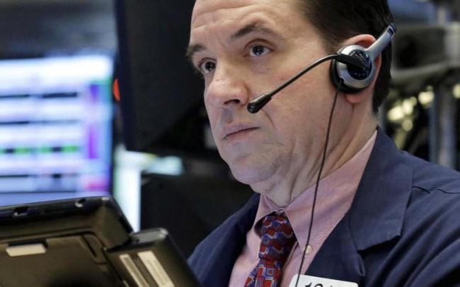 Dow Jones mất hơn 200 điểm, chứng khoán Mỹ lao dốc phiên thứ 4 liên tiếp