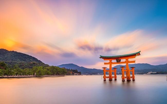 """Nhật Bản đang """"thay máu"""" mạnh mẽ trong giới lãnh đạo tinh hoa"""