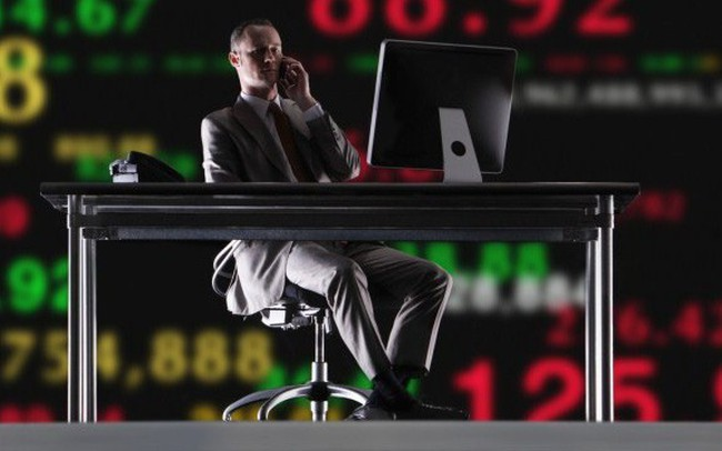 Tuần giao dịch 16-19/4: Dòng tiền thị trường suy yếu, nhà đầu tư ưu tiên nắm giữ tiền mặt