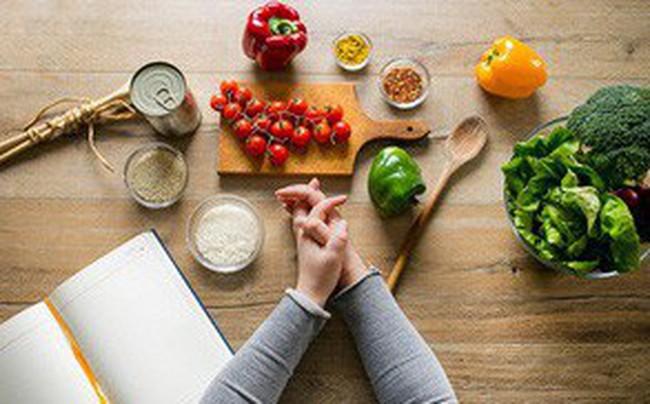 """Đây là chế độ ăn mà càng ăn nhiều càng """"tàn phá"""" đường ruột của bạn"""